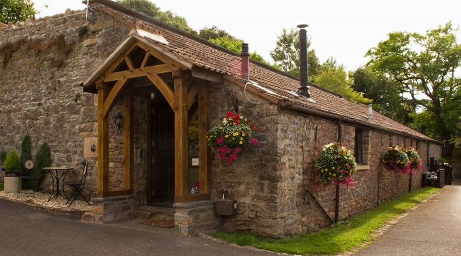 Cider Barn Self Catering Cottage for hire with hot tub in Somerset